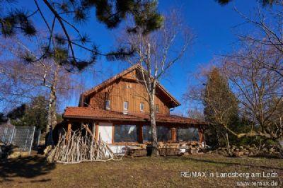 Saniertes Bauernhaus mit Werkstatt und Rittersaal auf idyllischem Grundstück in Ortsrandlage