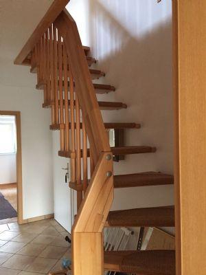 Treppenaufgang vom Flur zum...