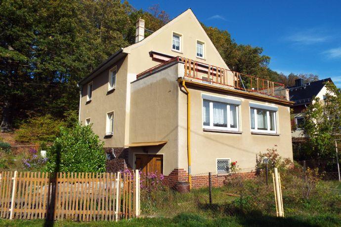 Zweifamilienhaus mit Ausbaupotential im DG