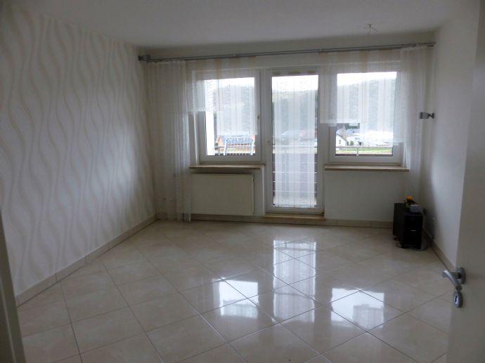 Renovierte und modernisierte Wohnung (85m²) mit großem Balkon inmitten unberührter Natur