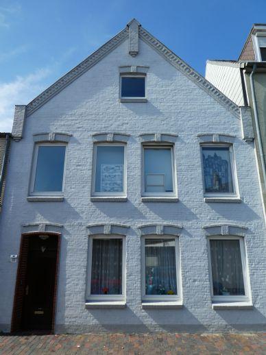 Gepflegte 2-Zimmer-Wohnung im zentraler Lage in Glückstadt