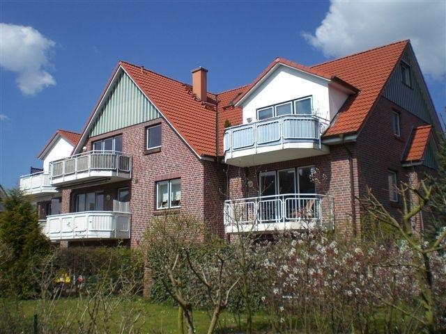 Heist - 77 m³ große drei Zi-Wohnung mit Badewanne und Balkon