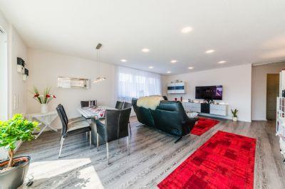 neuwertige exklusive 4 zimmer wohnung mit umfassender sonderausstattung in singen nord. Black Bedroom Furniture Sets. Home Design Ideas