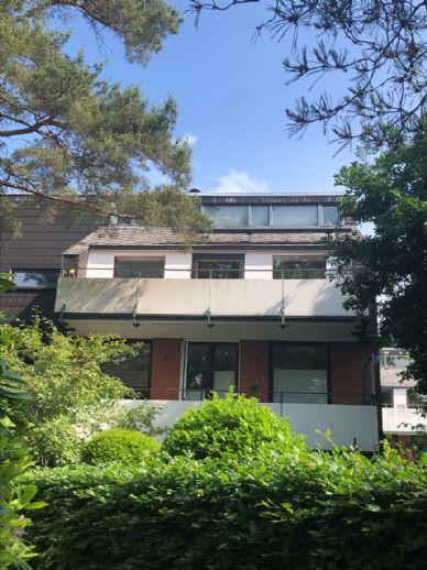 Traumhafte, möblierte 3-Zimmer Dachgeschosswohnung in Nienstedten