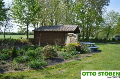 Gartenhütte mit Sitzgelegenhei