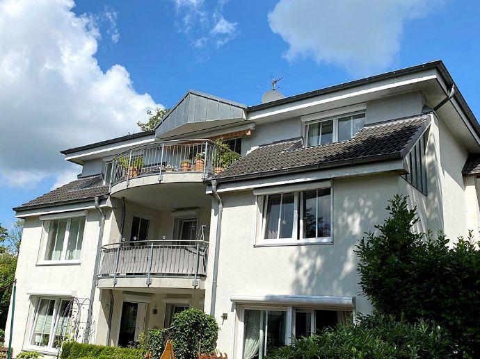Schöne 4 Zimner Wohnung in Itzehoe mit Balkon zu vermieten ( Penthouse Charakter)