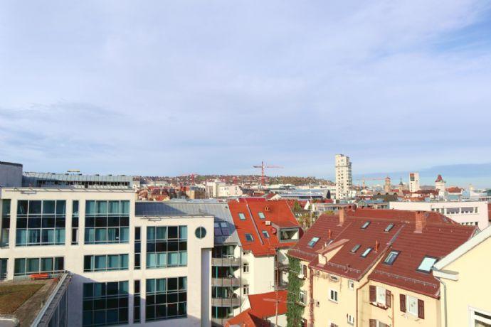 Stylische Dachgeschosswohnung mit Aussicht im beliebten Heusteigviertel