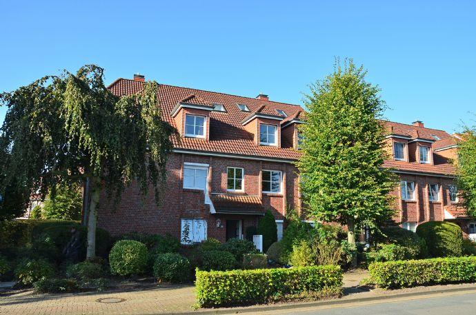 Attraktive Obergeschoss- Wohnung mit Südwest- Loggia und Einbauküche in Bad Zwischenahn/ zentrumsn