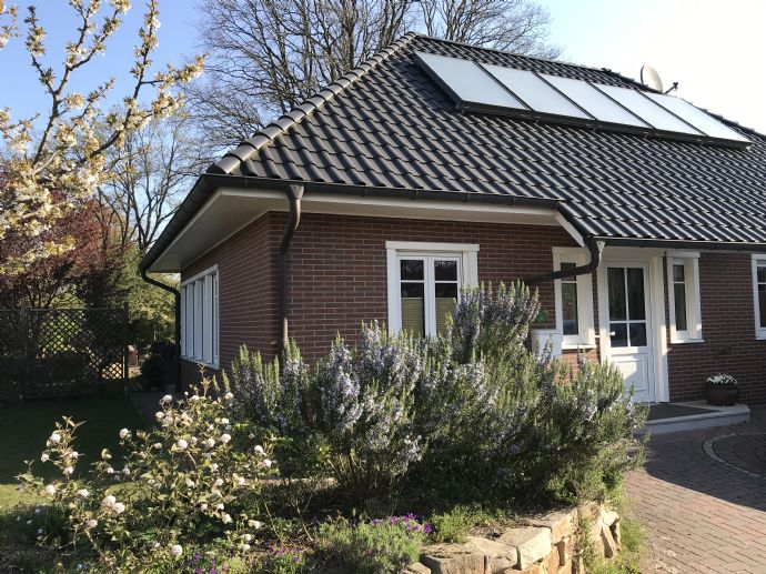 Exclusiver Winkelbungalow in Adendorf