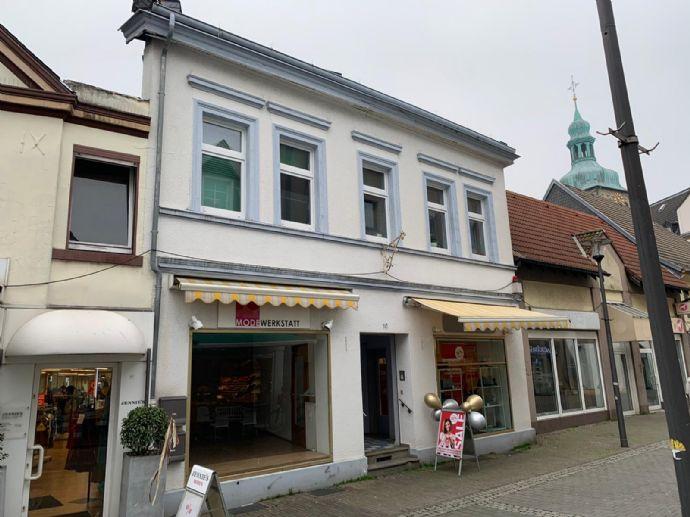 RE-Mitte!! ... Wohn-/ u. Geschäftshaus mit 2 Ladenlokale á ca. 40 m² plus 1 Wohnung mit ca. 130 m² !