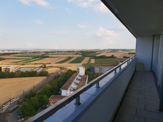 20.OG Weitblick garantiert!  85qm 3-Zimmer-Wohnung mit großem Balkon Mainz Lerchenberg