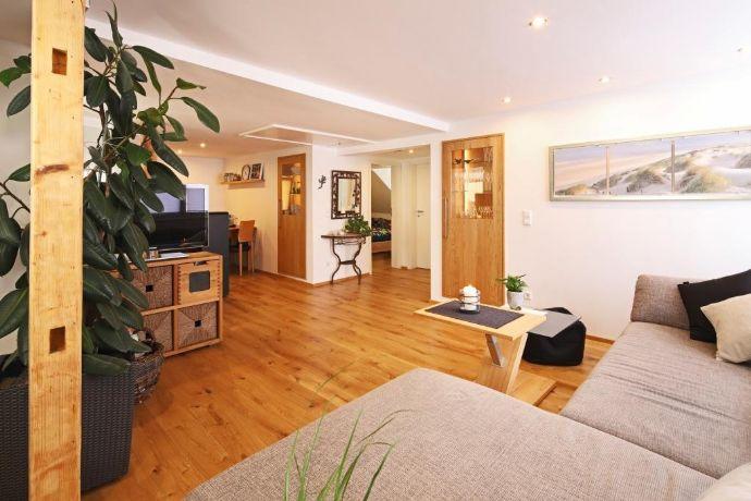 Wohnhaus mit Büro/Hobbywerkstatt in Reutlingen-Stadt