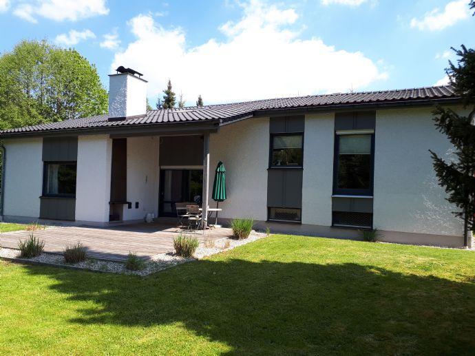 | 2 Wohnungen zu vermieten (100m² für 650,- / 197m² für 1.300 , Beide inkl. Garage) im Top sanierten Haus