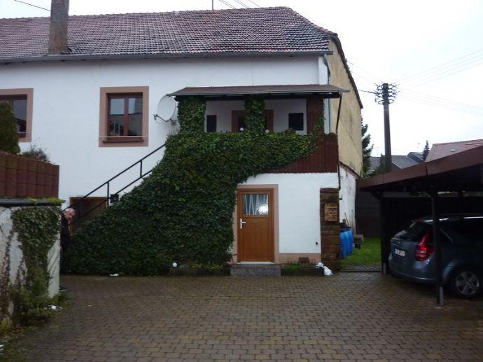 Renditeobjekt mit Eigentumswohnung, Gaststätte und großer Ausbaureserve in Mettlach-Orscholz