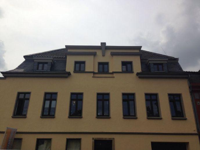 Euskirchen Südstadt: attraktive Dachgeschosswohnung mit großer Dachterrasse, Südausrichtung.