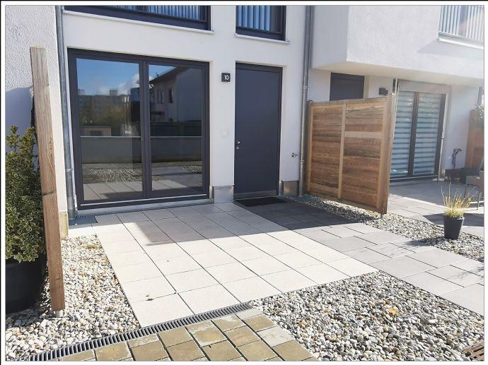 ~~ Für den Individualisten! Modernes Wohnen mit Lichthof, offen, luftig und moderner Ausstattung!!