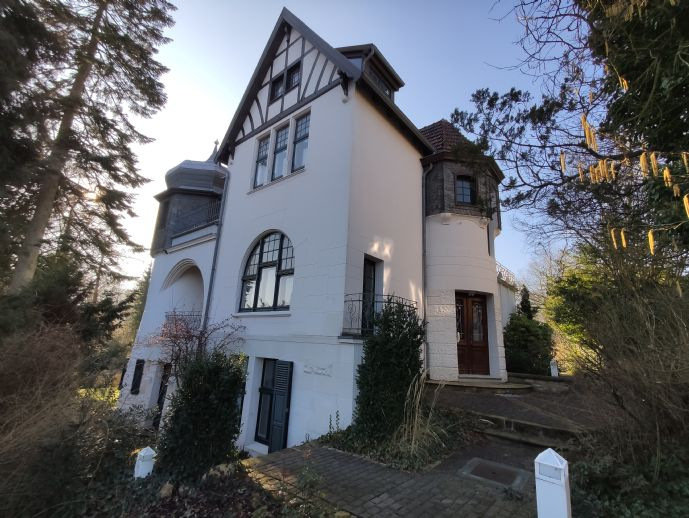 Stilvolle Villa mit Traumgarten in Spitzenlage von Detmold