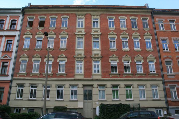 Gepflegte 2-Zimmer-Wohnung mit Balkon und EBK in Leipzig-Gohlis !