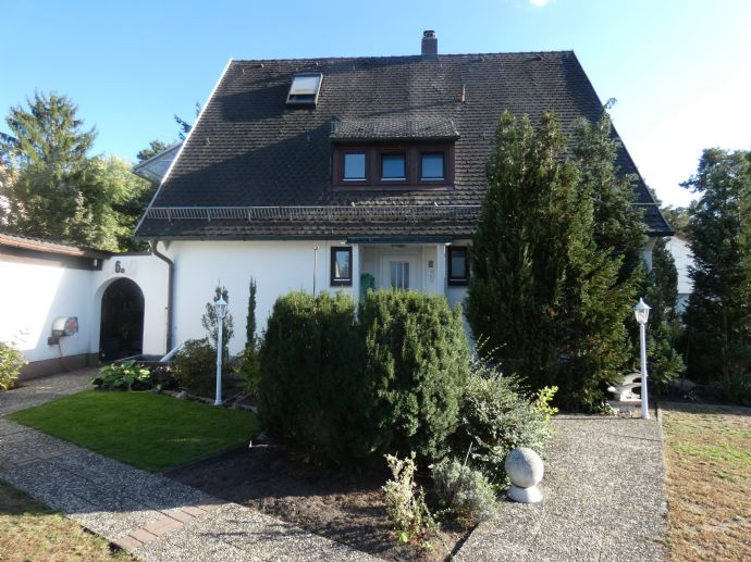 TOP Wohnlage! Solides 2-Familienhaus in Nürnberg-Falkenheim