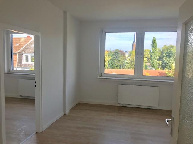 RE-Süd:Helle und frisch renovierte 3-Zimmer-Wohnung im 3.OG in zentraler Lage!