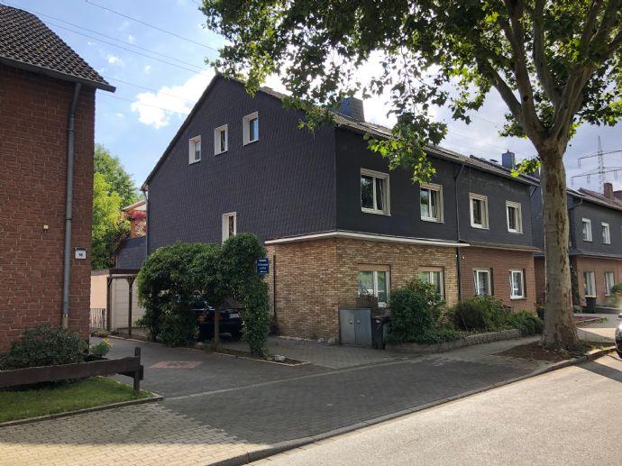 Großräumiges -Zweifamilienhaus in Castrop-Rauxel zu verkaufen!