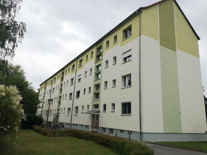 Familien aufgepasst! Sehr günstige 4- Raum- Wohnung