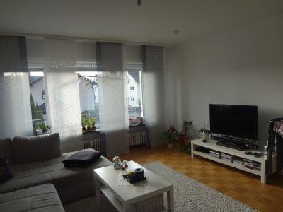 Schön renovierte 5-Zimmer-Wohnung, in einem ruhigen Wohngebiet, in Obertshausen.