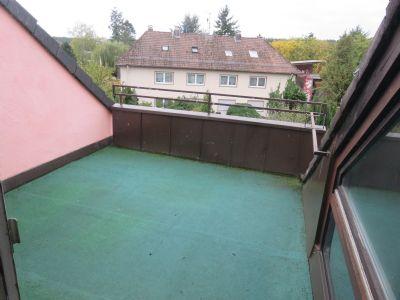 großzügige Loggia im Dachgeschoss