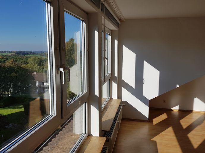 Schöne 3-Zimmer-DG-Mietwohnung in Heiligenhaus