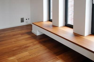 offene galerie mit phantastischem blick in den wald einfamilienhaus essen 2mx6c3h. Black Bedroom Furniture Sets. Home Design Ideas