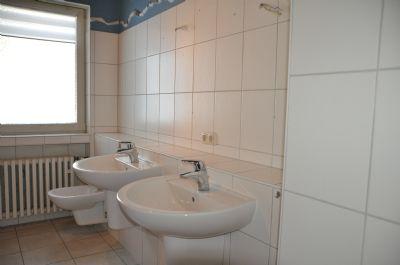 Bad mit zwei Waschbecken und Bidet