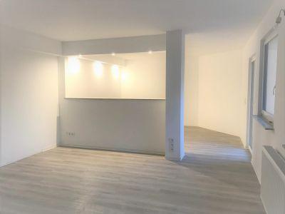 Kernsanierte 1,5 Zimmer-Wohnung mit großzügigem Balkon in Frankfurt am Main in Bockenheim