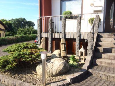 Harmonisch angelegter Vorgarten