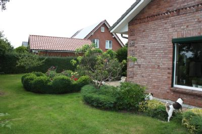 Seitenansicht Haus/Garten