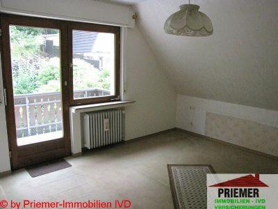 Schlafzimmer im Obergeschoss - Ausgang zum Balkon