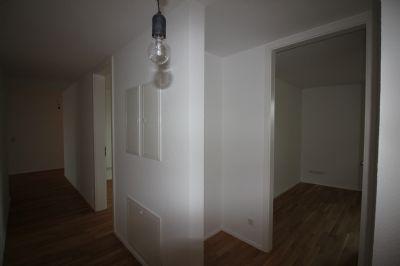 Flur und Zimmer 2