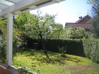 Großzügige 2-Zi-Wohnung mit eigenem Garten.