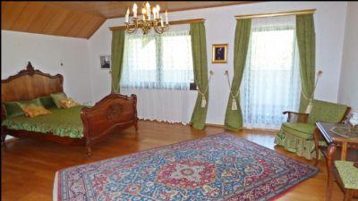 Schlafzimmer 2 im OG mit Balkon