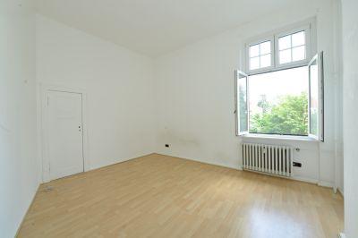 sch ne gro e 5 zimmer altbau wohnung in spandau wohnung berlin 2byae49. Black Bedroom Furniture Sets. Home Design Ideas