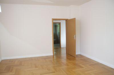 provisionsfrei 139 qm gro e wohnung direkt von privat etagenwohnung berlin 2bb7q43. Black Bedroom Furniture Sets. Home Design Ideas