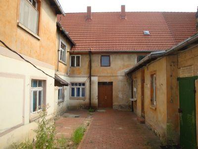 Hof mit Wohnhaus und Seitenflügel