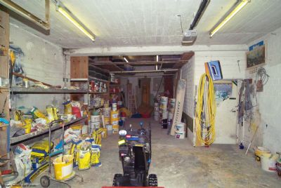 überhohe Garage Haupthaus