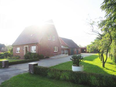 ! PFERDELIEBHABER AUFGEPASST ! Gemütliches EFH mit ca. 140 m² Wfl. auf gepflegtem Grundstück mit ca. 3566 m² großer Weide inkl. Garagen und kl. Stall!
