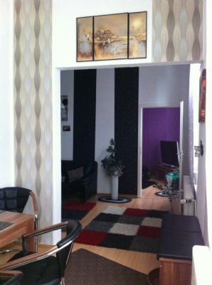 helle 2 zimmerwohnung wird renoviert bergeben etagenwohnung m nchengladbach 2dwzz4m. Black Bedroom Furniture Sets. Home Design Ideas