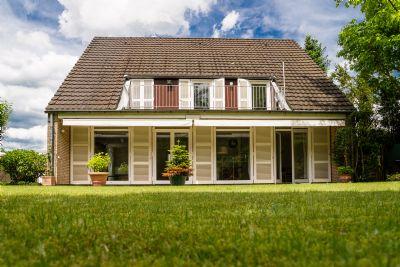 freistehendes einfamilienhaus mit gepflegtem garten direkt am naturschutzgebiet einfamilienhaus. Black Bedroom Furniture Sets. Home Design Ideas