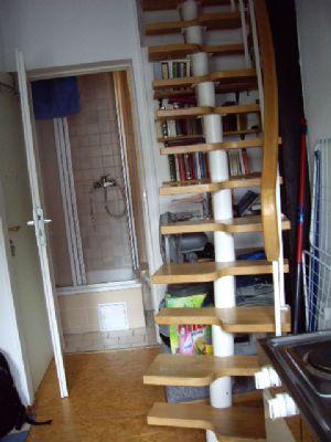 konstanz stadtzentrum kleine 1 zimmer altbauwohnung auf 2 ebenen mit k chenzeile und duschbad. Black Bedroom Furniture Sets. Home Design Ideas