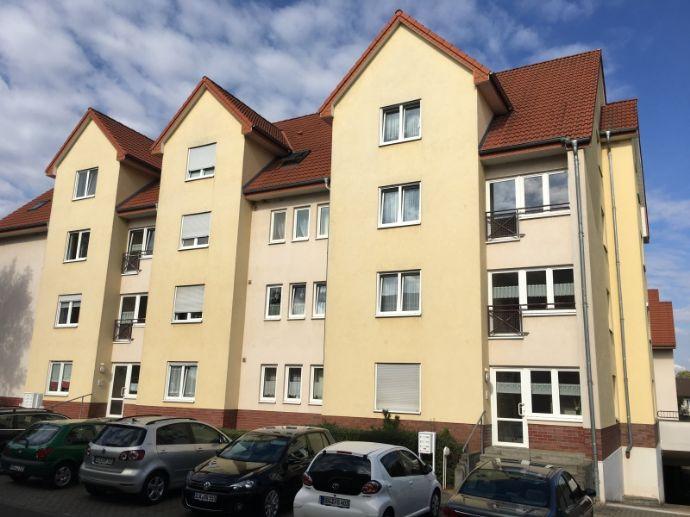 2 Raum Wohnung in bester Lage mit Balkon und Tiefgaragen Stellplatz
