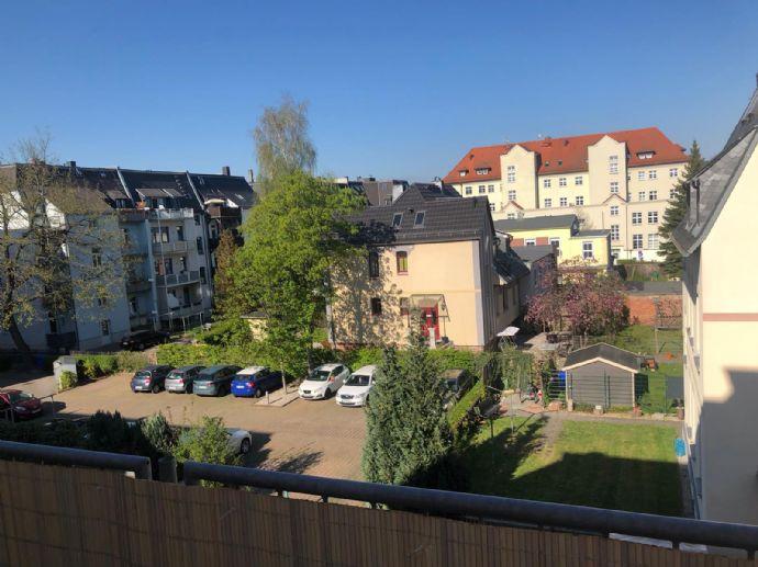 Traumhafte vollmöblierte 2 Zi Wohnung, moderne Küche, Balkon, Stellplatz, Erstbezug nach Renovieru