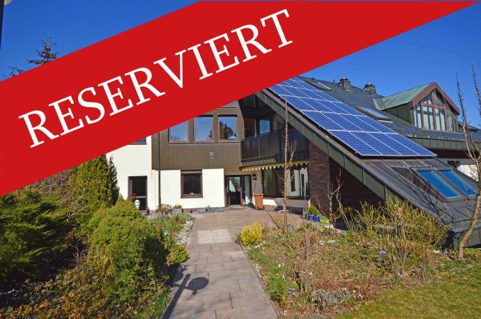 Großzügige, moderne Villa mit Praxis- / Kanzleietage bei Bad Steben