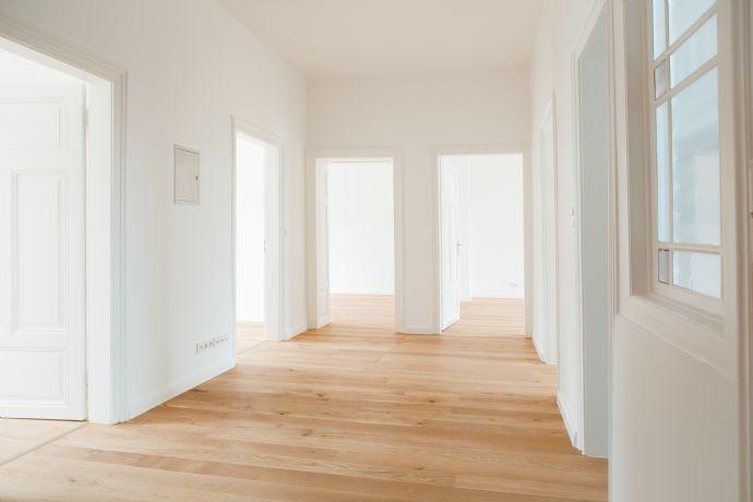 ***Erstbezug nach hochwertiger Sanierung*** 4-Zimmer-Altbauetage in ruhiger Nordendlage/Nähe Bergerstraße